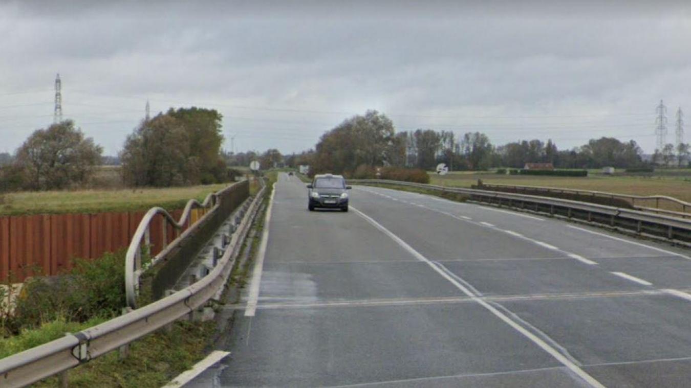 Réparation des ouvrages qui permettent à la RD300 de franchir les watergangs Galg Gracht et Ghas Weg, sur la commune de Bourbourg.