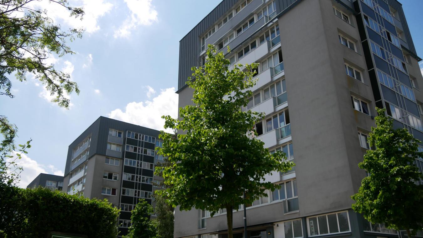 Dimanche 6 juin, un homme a été violemment agressé en bas de la tour n°42, boulevard des États-Unis au Mont-Liébaut. Plus de deux semaines plus tard, l'homme est toujours dans le coma artificiel.