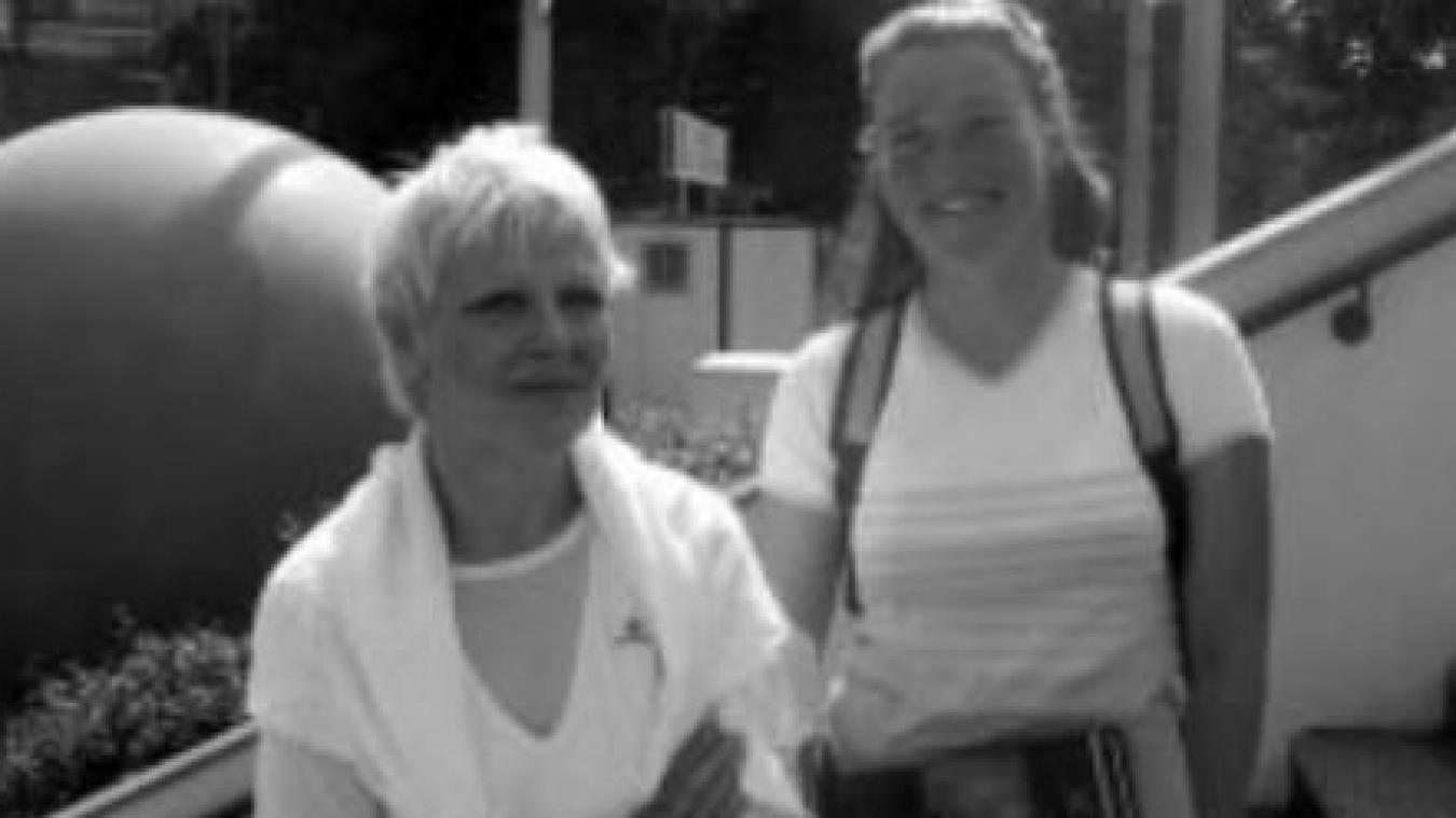 Claudine Boulongne (à gauche) aux côtés de la skippeuse Jeanne Grégoire.