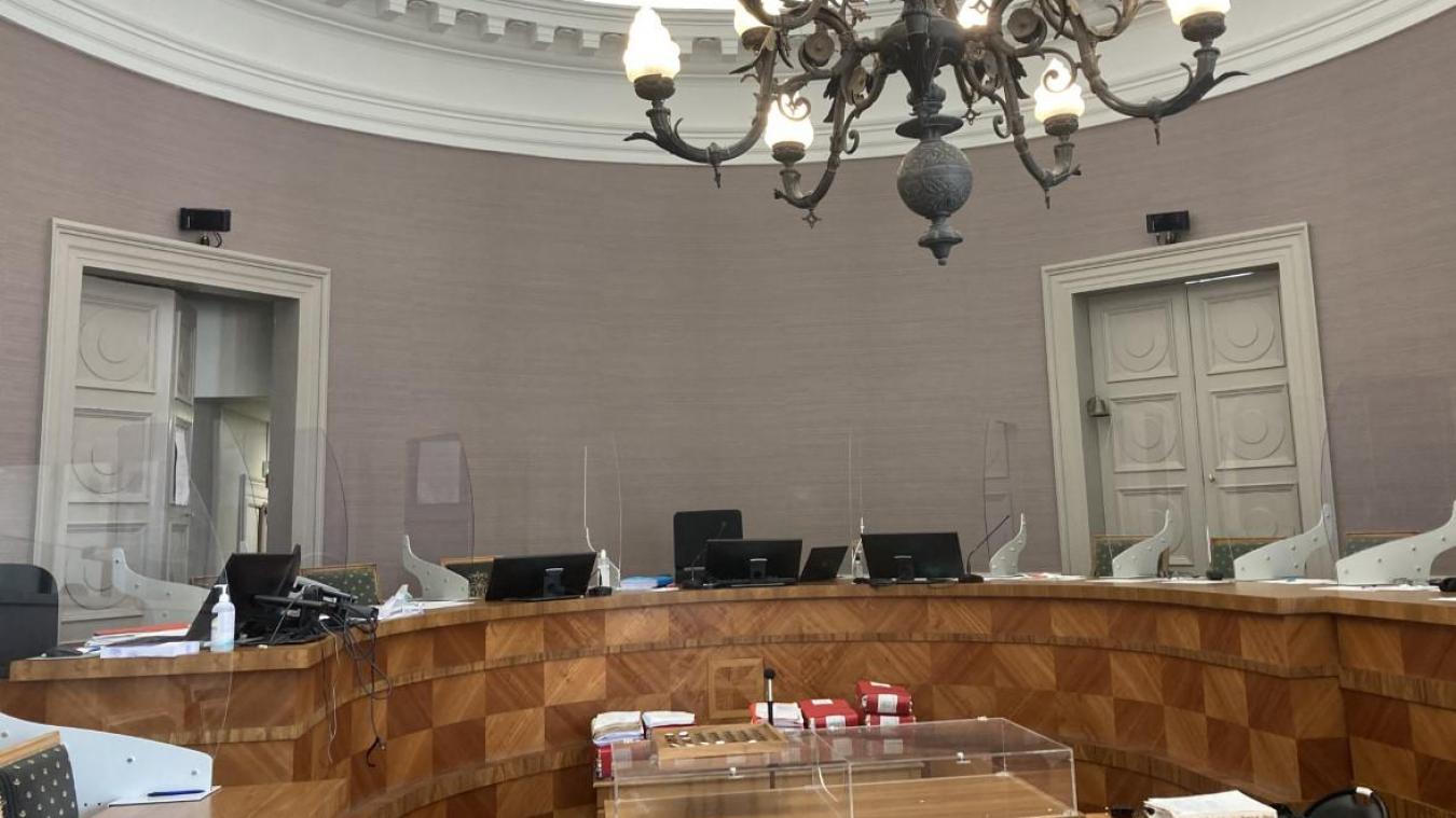 Le procès, qui se tient depuis le jeudi 16 juin en Cour d'Assises de Saint-Omer, se poursuit jusqu'au vendredi 2 juillet.
