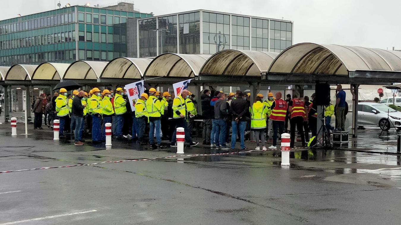 Une assemblée générale a eu lieu lundi 21 juin devant l'entrée principale de l'entreprise.