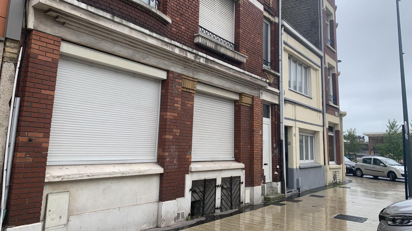 L'immeuble compte un peu moins d'une dizaine d'appartements. Pour quasiment autant de recherches de nouveau logement. « Ici, je ne suis pas rassurée, je ne me sens pas en sécurité », interpelle Blandine*.