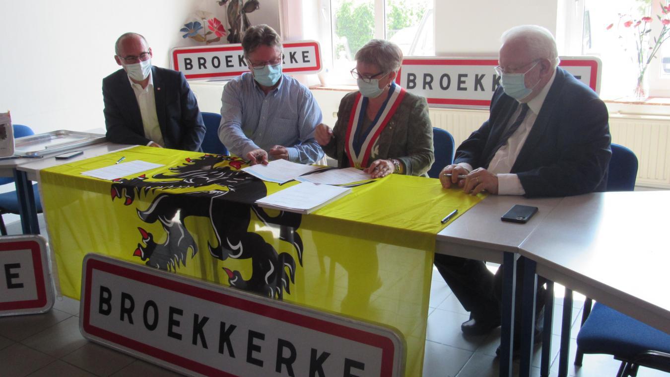 Brouckerque est devenue la 27e commune signataire de la charte Ja om't Vlamsch (Oui au flamand).