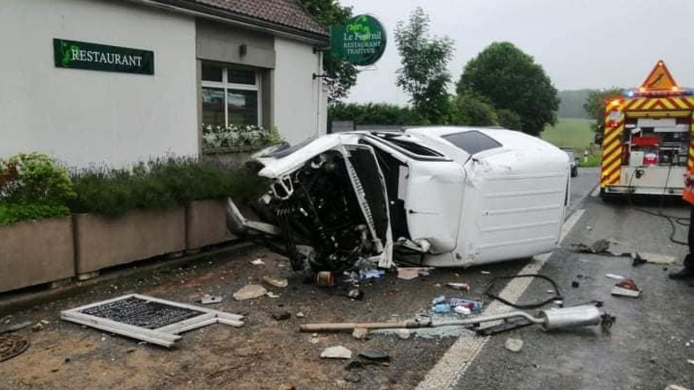 Le conducteur du véhicule accidenté a été transporté au centre hospitalier d'Helfaut