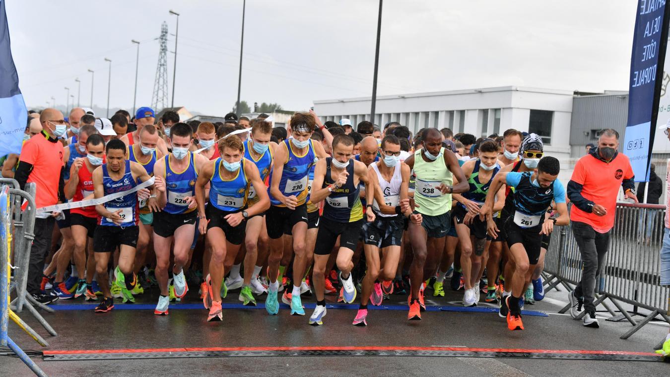 800 participants ont pris part à la course, sous une météo capricieuse.
