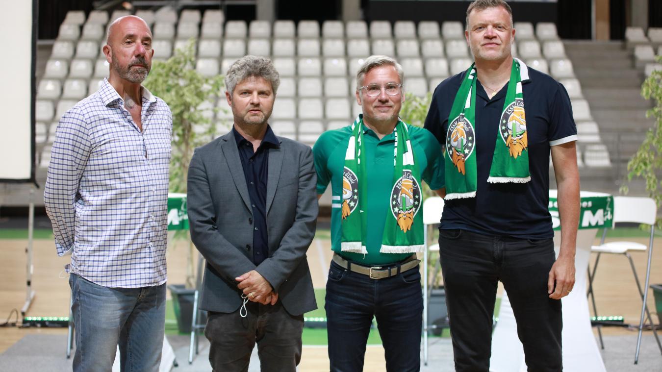Serge Crévecoeur et Arnaud Ricoux remplacent Jacky Périgois et Eric Girard.