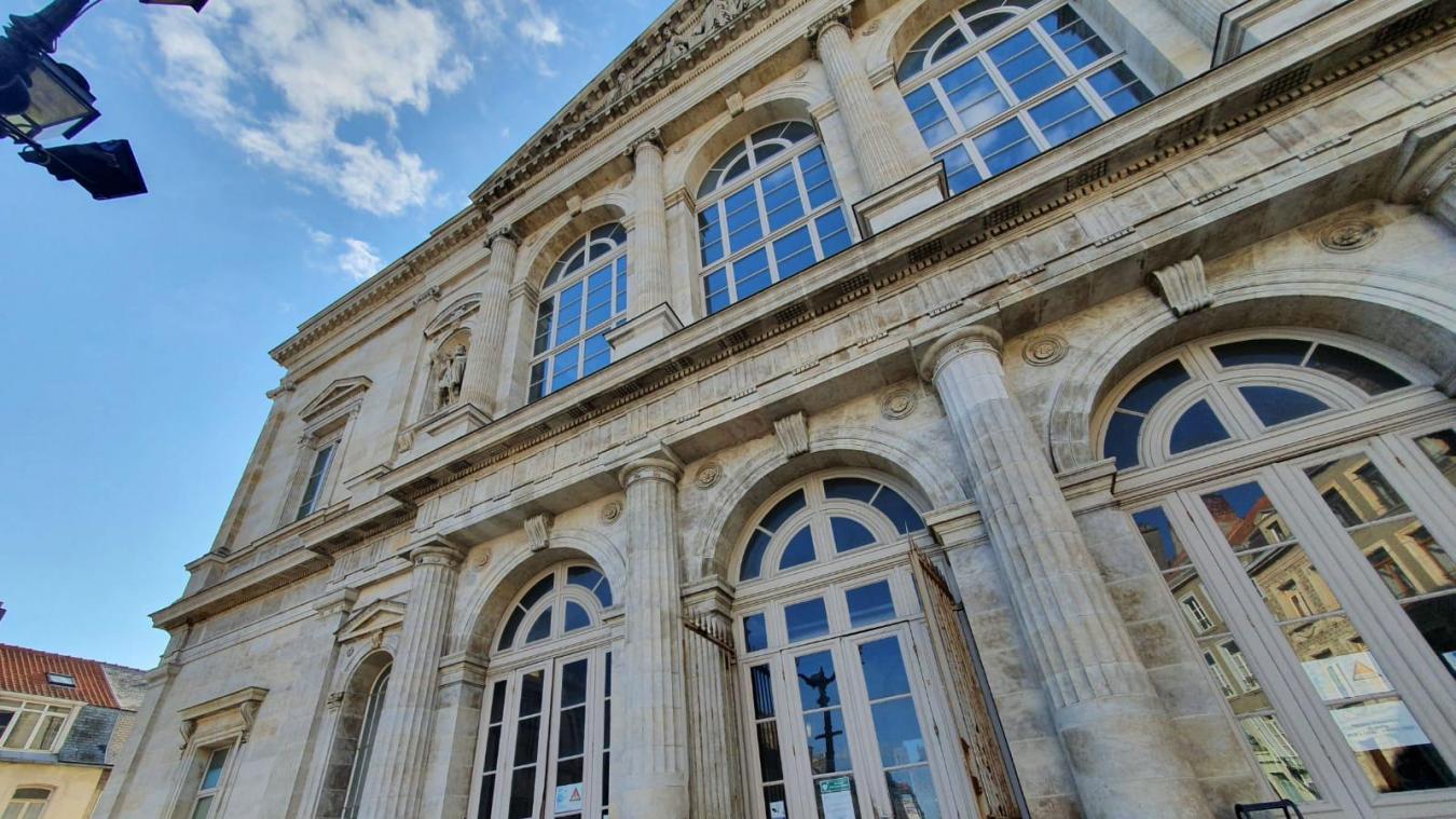 Le prévenu a été condamné à 15 mois de prison avec sursis par le tribunal de Boulogne-sur-Mer.