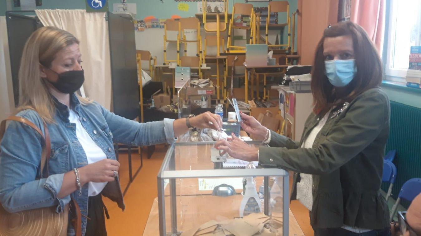 Au bureau 51 A, à Calais, il y a eu 194 votants à 16 heures.