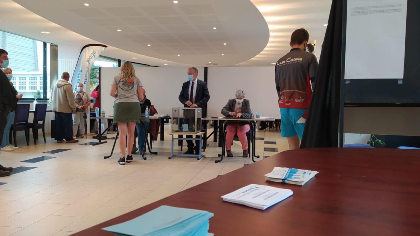 Il y a eu 310 votants à Blériot plage au bureau de vote n°2, à 17h45.