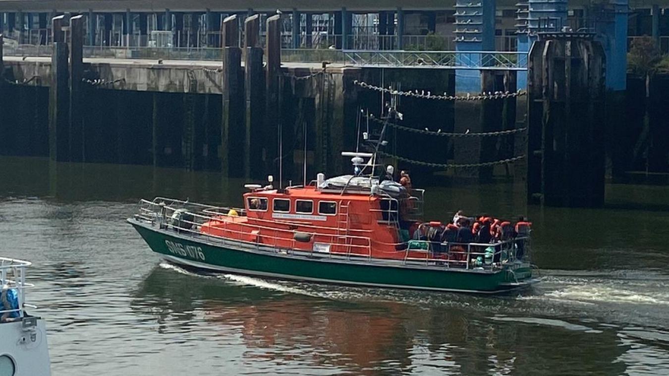 Les 38 migrants ont été ramenés sains et saufs au port de Boulogne-sur-Mer.