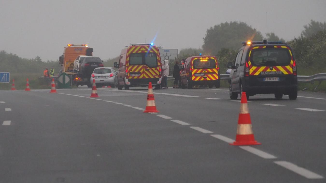 Impliquant 3 véhicules dont 6 personnes, l'accident a fait 3 blessés qui ont été transportés à l'hôpital de Boulogne.