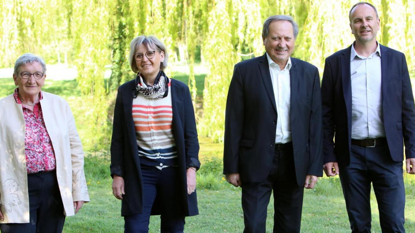 Monique Dambrune, Carole Dubois, René Hocq et Dominique Gallois se présentent en tant que liste de rassemblement à gauche.