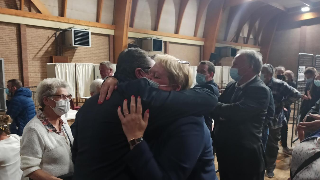 Alain De Carrion et Séverine Gosselin peuvent se congratuler, ils viennent de remporter le canton.