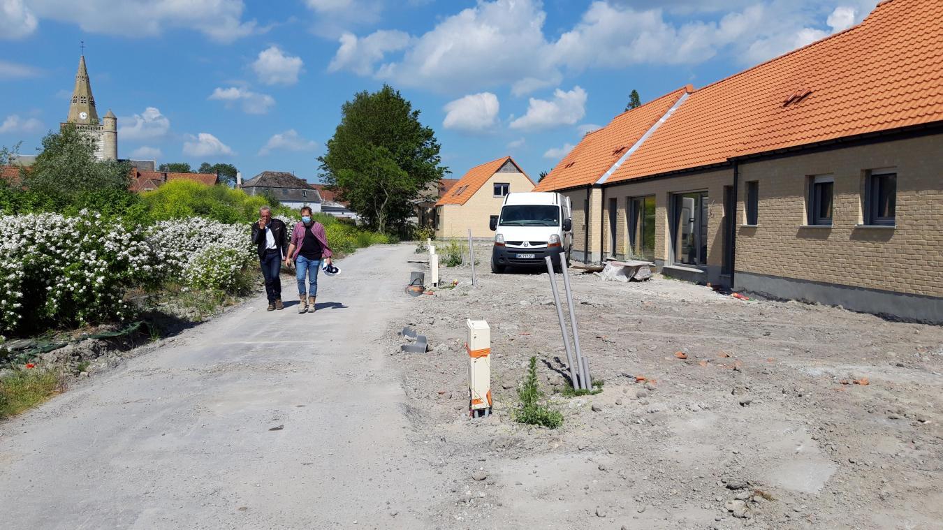 Le béguinage de Cappellebrouck comprend trois logements passifs et neufs certifiés du label RT2012 -10% qui atteste de la qualité thermique des maisons.