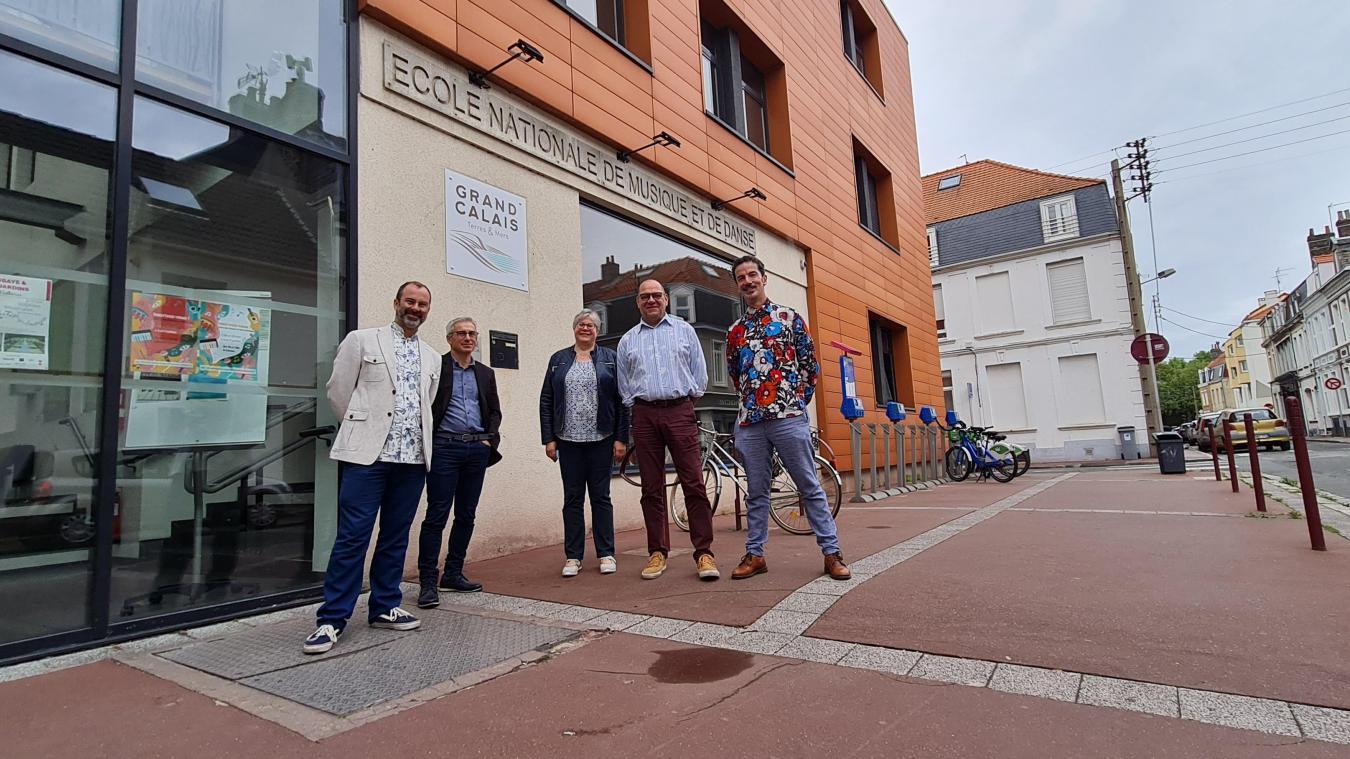 De gauche à droite Guillaume Gabriel, Michel Mequinion, directeur des affaires culturelles de l'agglomération, Véronique Van Cutsem, Pascal Pestre et Hervé Koubi.