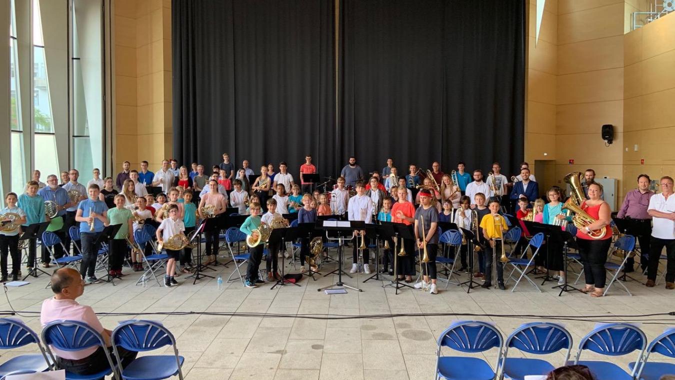 Il y a deux ans, les jeunes musiciens donnaient un concert à la grande halle. Rendez-vous jeudi à 19h, avec une centaine d'élèves des orchestres au collège et du CRD.