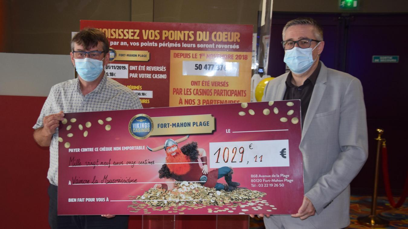 José Pagerie, délégué territorial Vaincre la mucoviscidose, a reçu un chèque de 1 029,11 euros.