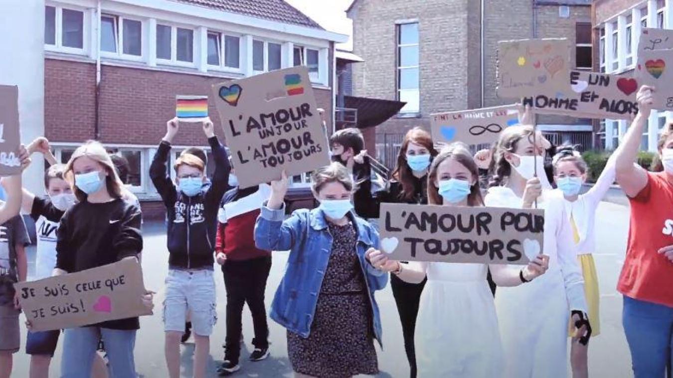 Pendant un an, les collégiens ont travaillé sur un clip vidéo contre l'homophobie.