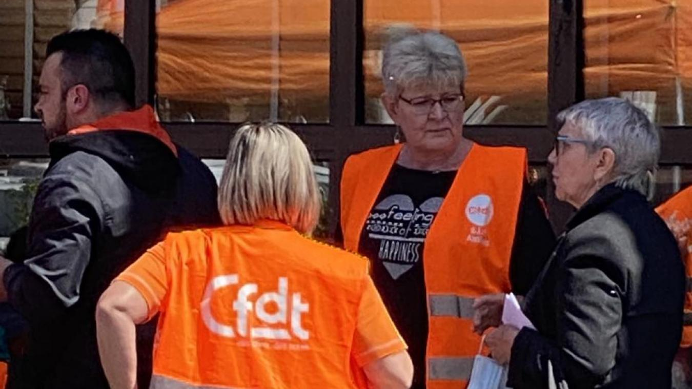Les syndicats se sont mobilisés pour dénoncer les conditions de travail des salariés d'Auchan.