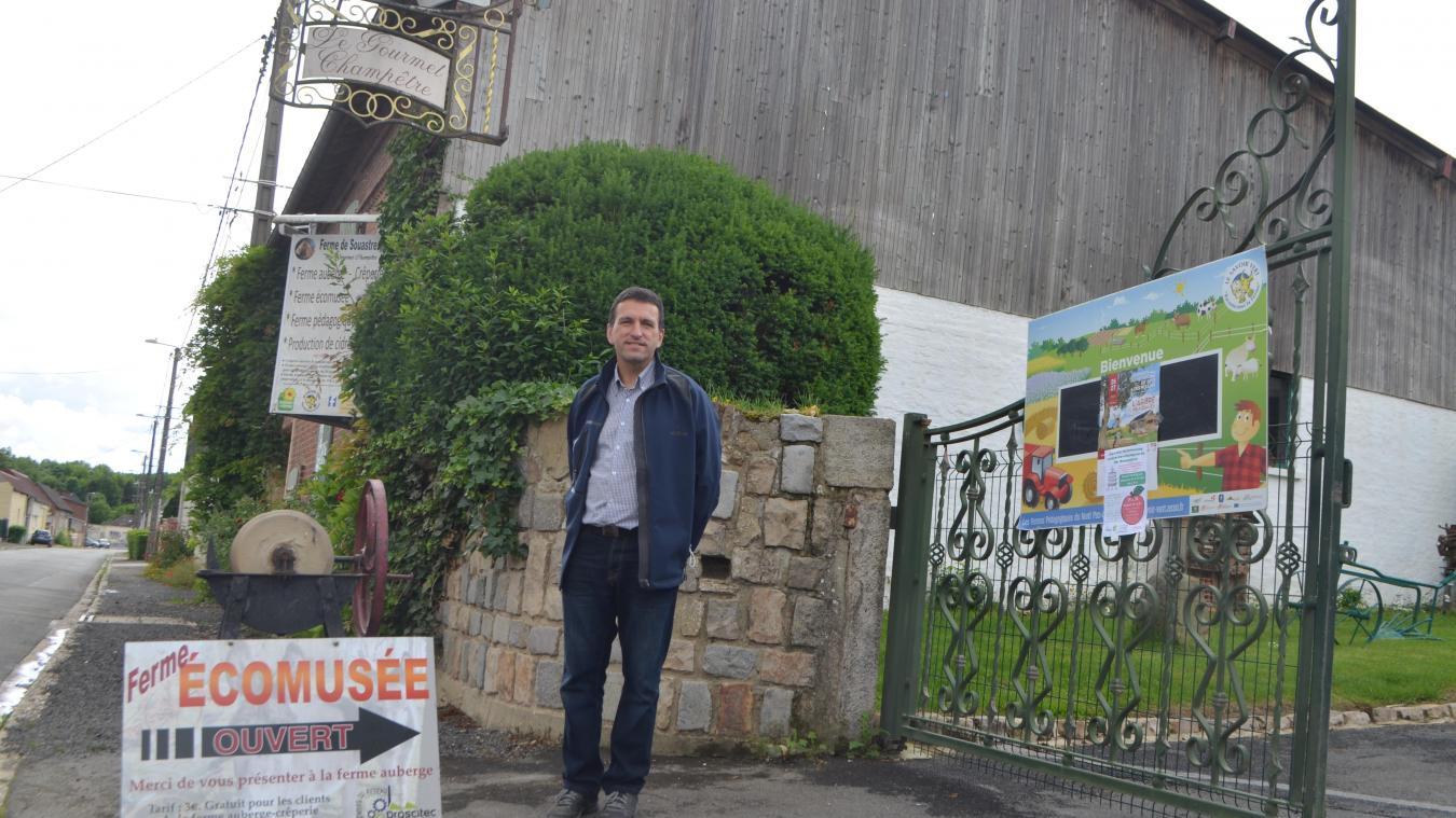 Jacques Choquet a repris la ferme de Souastre en 1993 à ses parents. Depuis, l'agriculteur de métier s'est diversifié avec du vinaigre de cidre notamment.