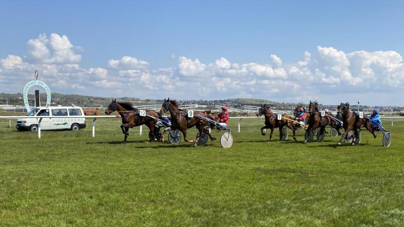 Les courses de dimanche 4 juillet sont reportées à une date ultérieure.