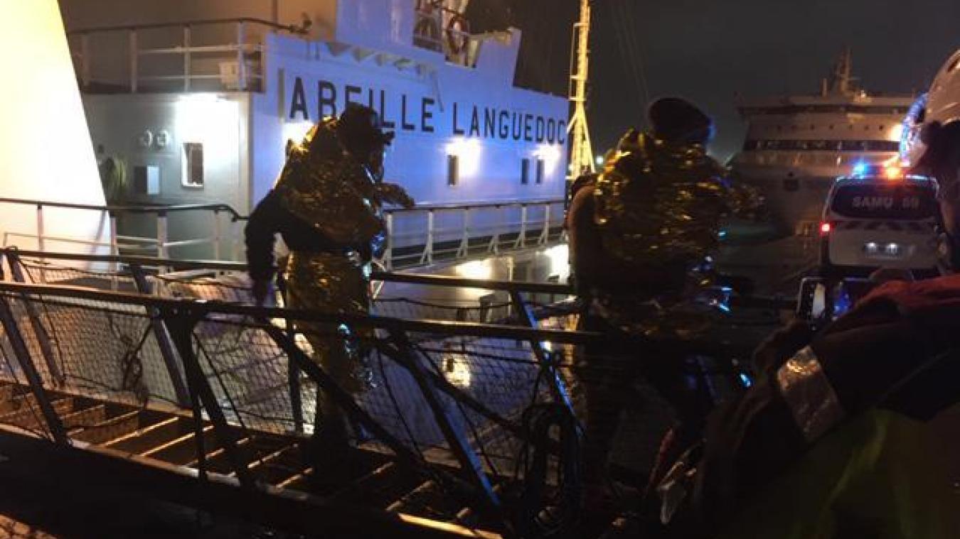 Le remorqueur Abeille Languedoc a récupéré 20 naufragés au large du Touquet, avant de les déposer au port de Boulogne-sur-Mer.