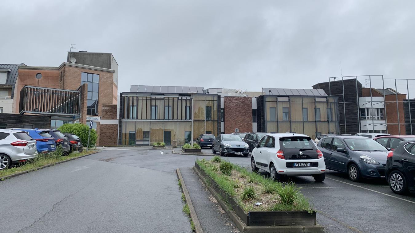 Le parking de l'hôpital sera à terme réglementé.