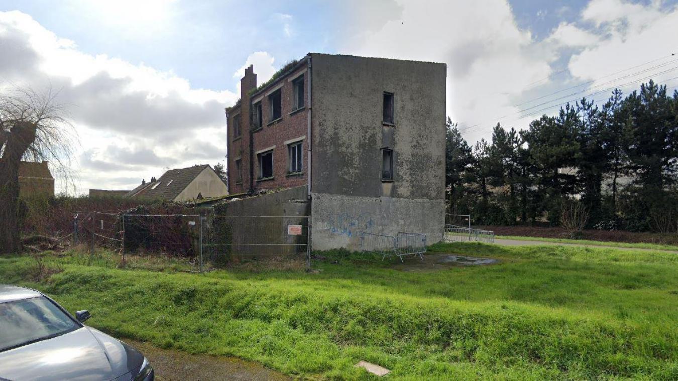 L'incendie s'est déclenché dans un bâtiment abandonné de la rue de la Plage, à Fort-Mardyck.