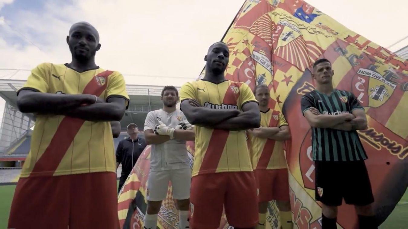 Seko Fofana, Jean-Louis Leca, Massadio Haïdara, Yannick Cahuzac et Florian Sotoca avec les nouvelles tenues