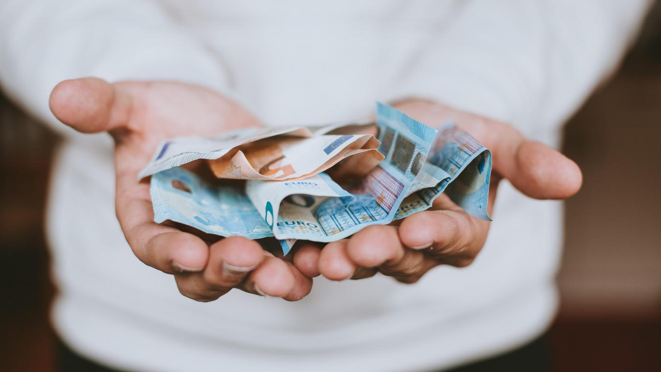 Le gouvernement a décidé de revaloriser de 40 à 100 euros net par mois les salaires des fonctionnaires de catégorie C, la plus basse