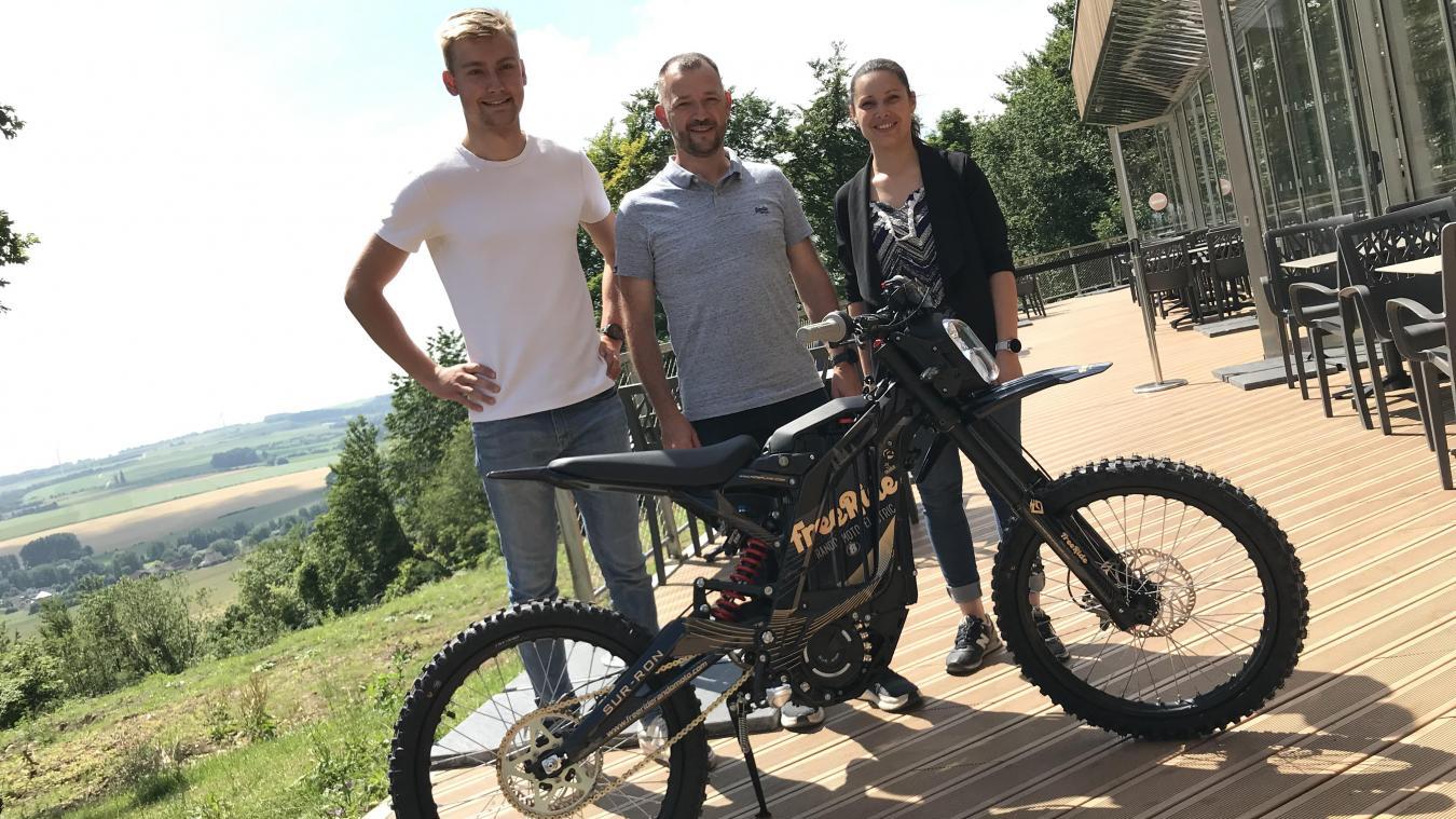Arthur, Sébastien et Julie, trio de pilotes chevronnés unis pour un chouette projet.