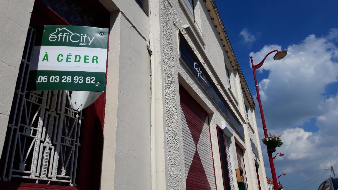 Le café-restaurant qui se situe en plein centre du village, n'a pas rouvert ses portes au déconfinement.