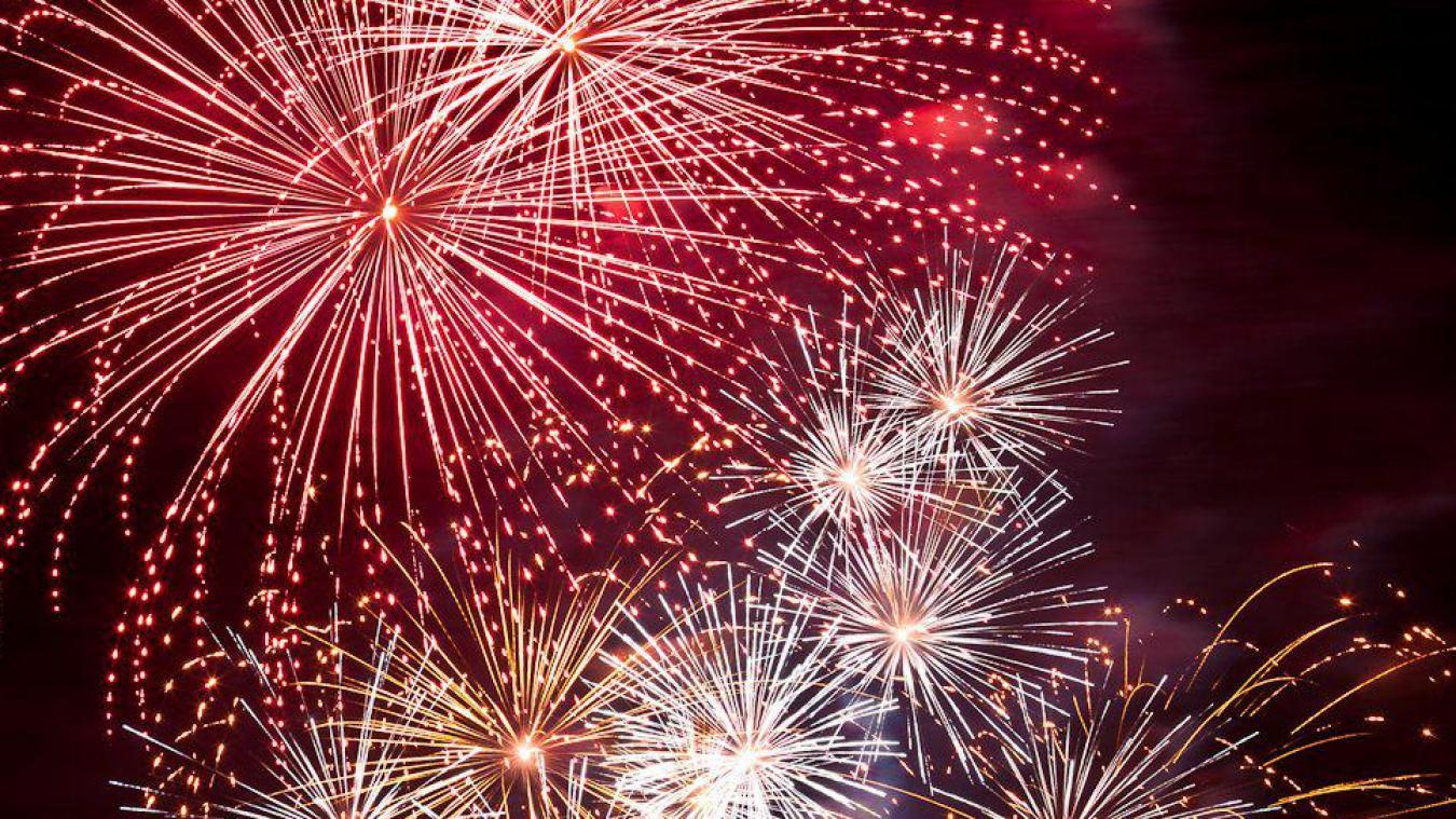 Le 10 juillet, un feu d'artifice diurne est prévu, et un autre mais nocturne le 14 juillet. (illustration)