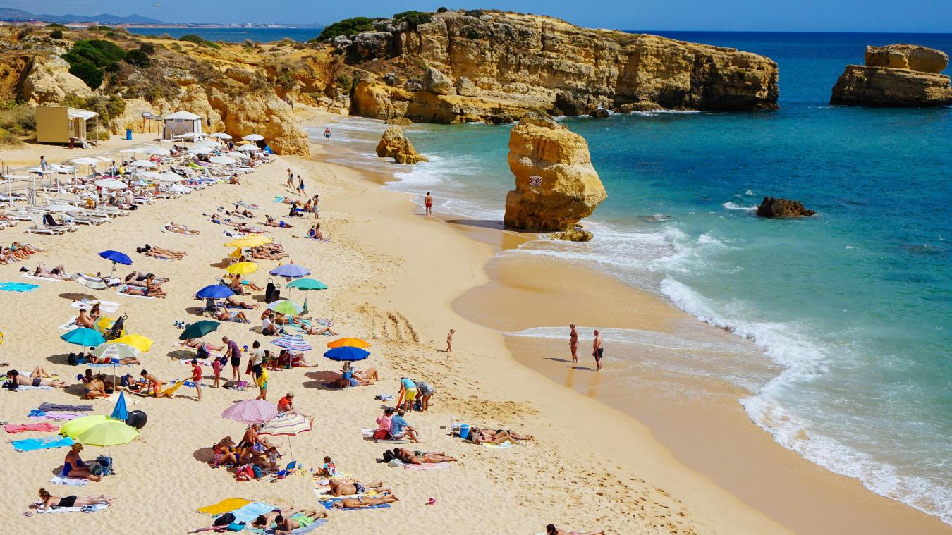 «Ceux qui n'ont pas encore réservé leurs vacances, évitez l'Espagne, le Portugal dans vos destinations, c'est un conseil de prudence, une recommandation, insiste Clément Beaune. Il vaut mieux rester en France ou aller dans d'autres pays.»