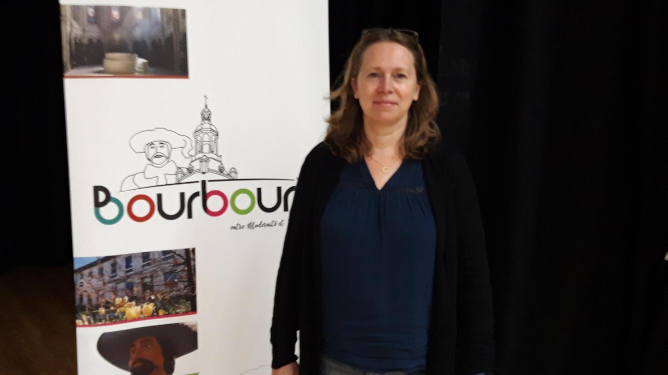 Sandrine Bowden a rejoint le conseil municipal de Bourbourg le jour de la divulgation du nouveau logo de la ville.
