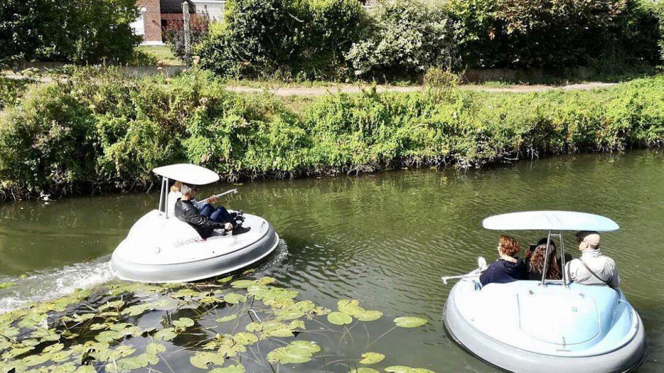Lys sans Frontières vous propose des balades au fil de l'eau dans un petit bateau électrique au look futuriste. Photo Lys sans Frontières