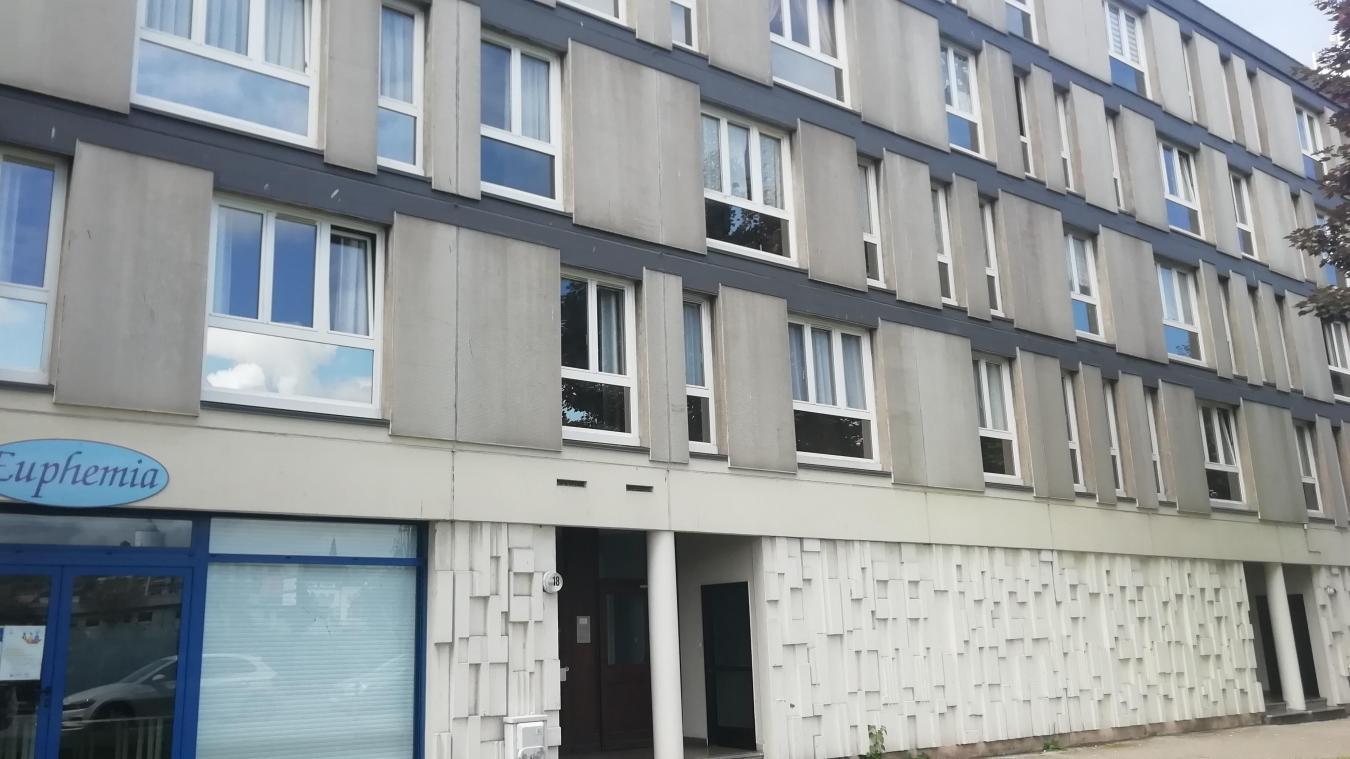 Les policiers et pompiers de Boulogne-sur-Mer ont fait une macabre découverte ce dimanche matin boulevard Chanzy.