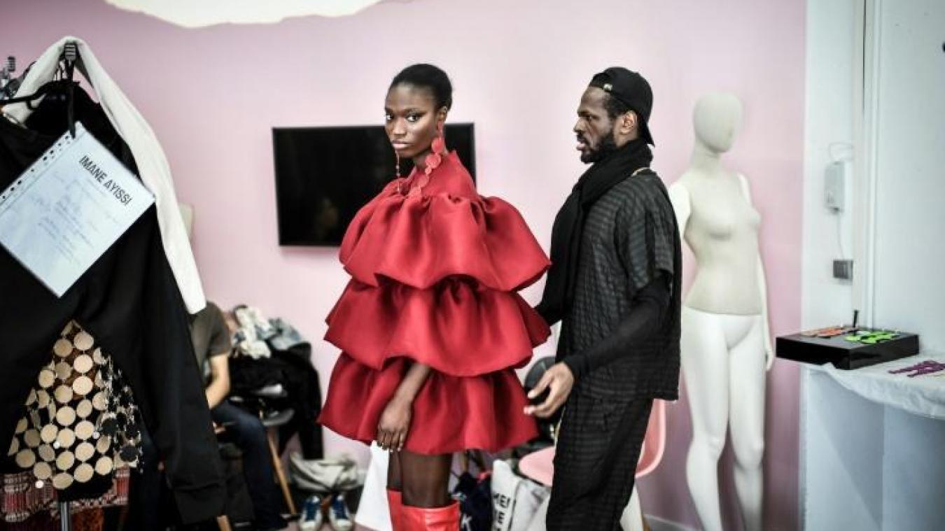 De la dentelle de Calais dans les collections de haute couture à Paris
