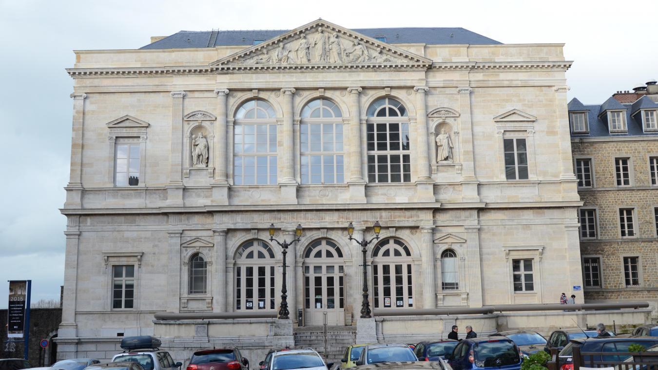 Boulogne: la prison avec sursis pour des extorsions de fonds