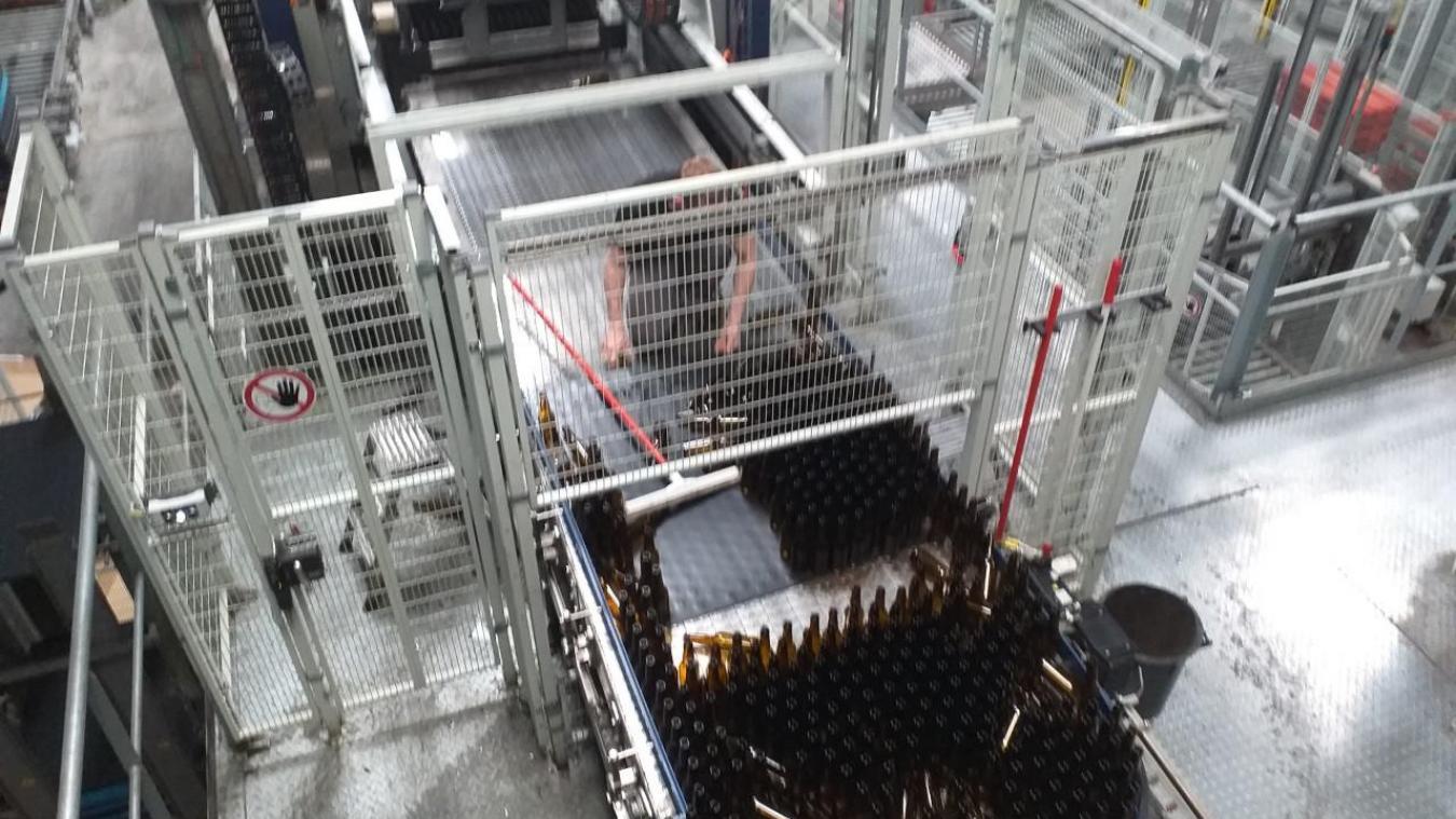 Une nouvelle ligne d'embouteillage va être créé pour répondre à la hausse de l'activité de l'entreprise Arquoise.