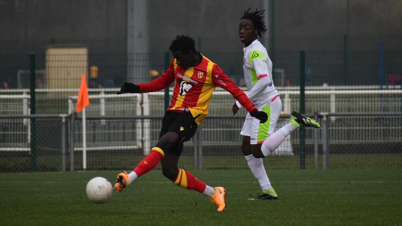 Ansou Sow avec le maillot sang et or la saison dernière.