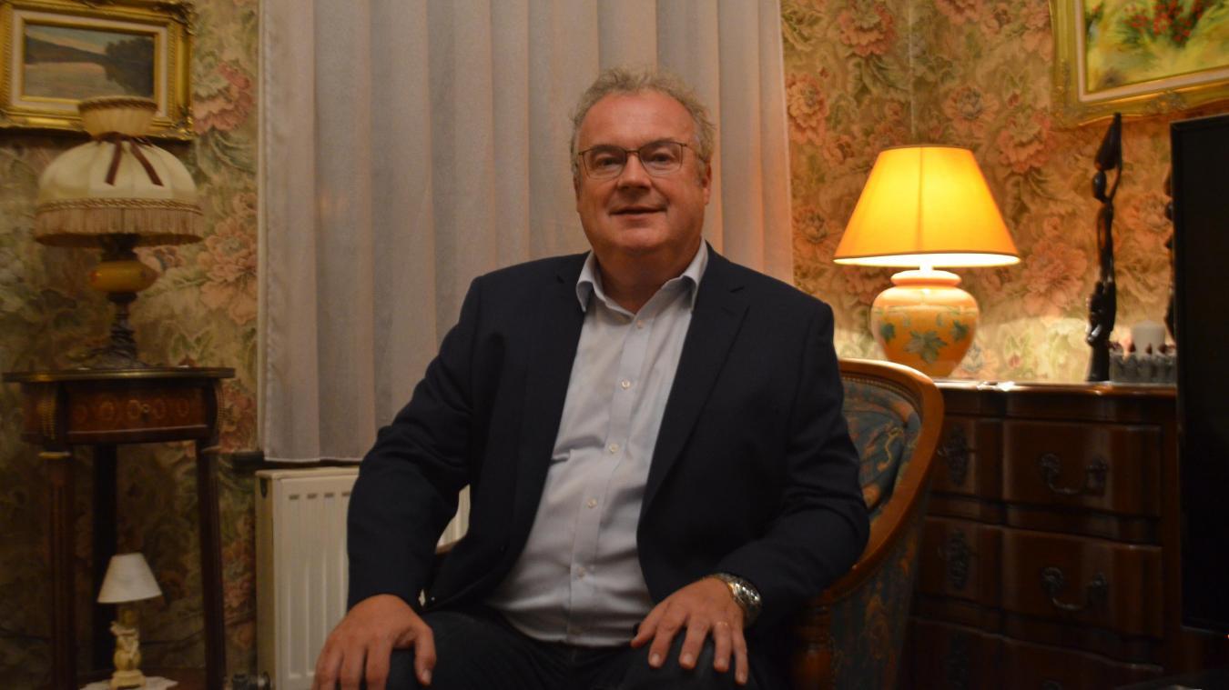 Jean-Marc Gosset veut se consacrer à son nouveau poste de directeur de l'association des maires du Nord.