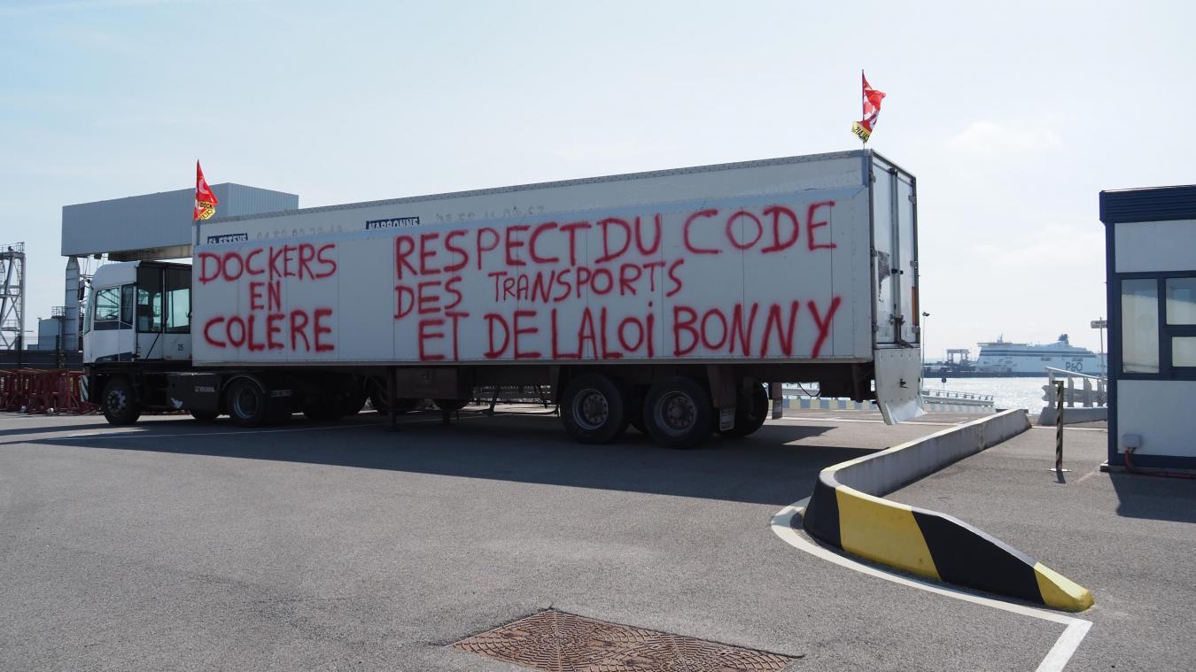 Des dockers veulent bloquer le lancement de la ligne Calais-Sheerness qui doit commencer ce lundi.