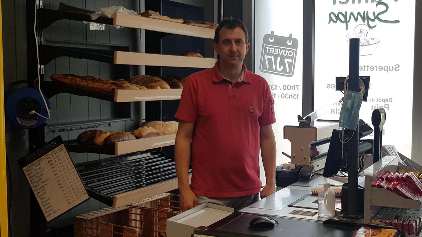 Fabrice est fier de cette création d'entreprise qui rend service aux Uxemois, 7 jours/7, de 7 h à 13 h et de 15 h 30 à 19 h 30.