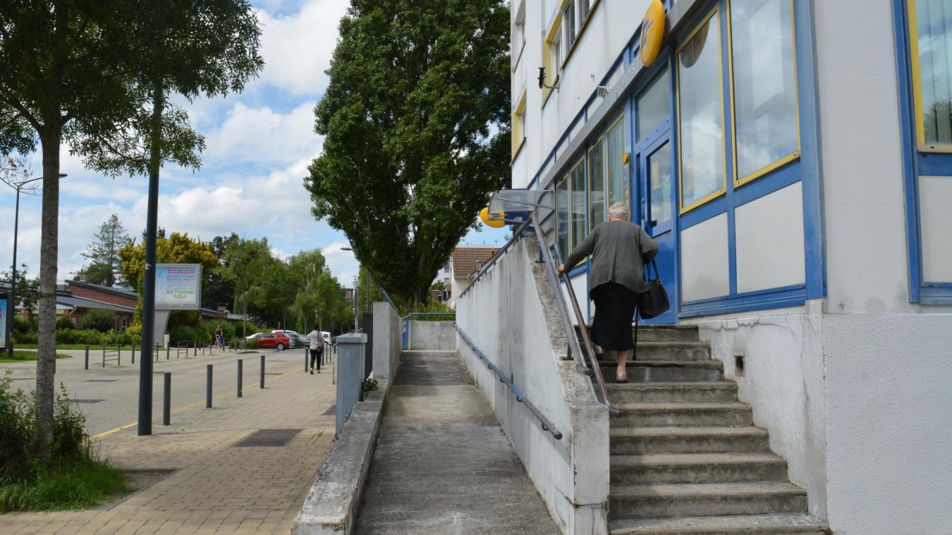 La Poste, située avenue de Varsovie, ferme jusque fin juillet.