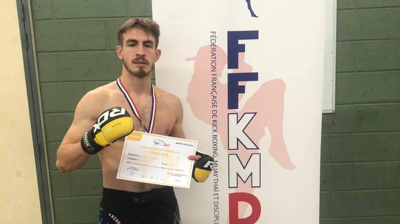 Maxime Boucher a été sacré vice-champion de France de Pancrace en moins de 69 kilos.