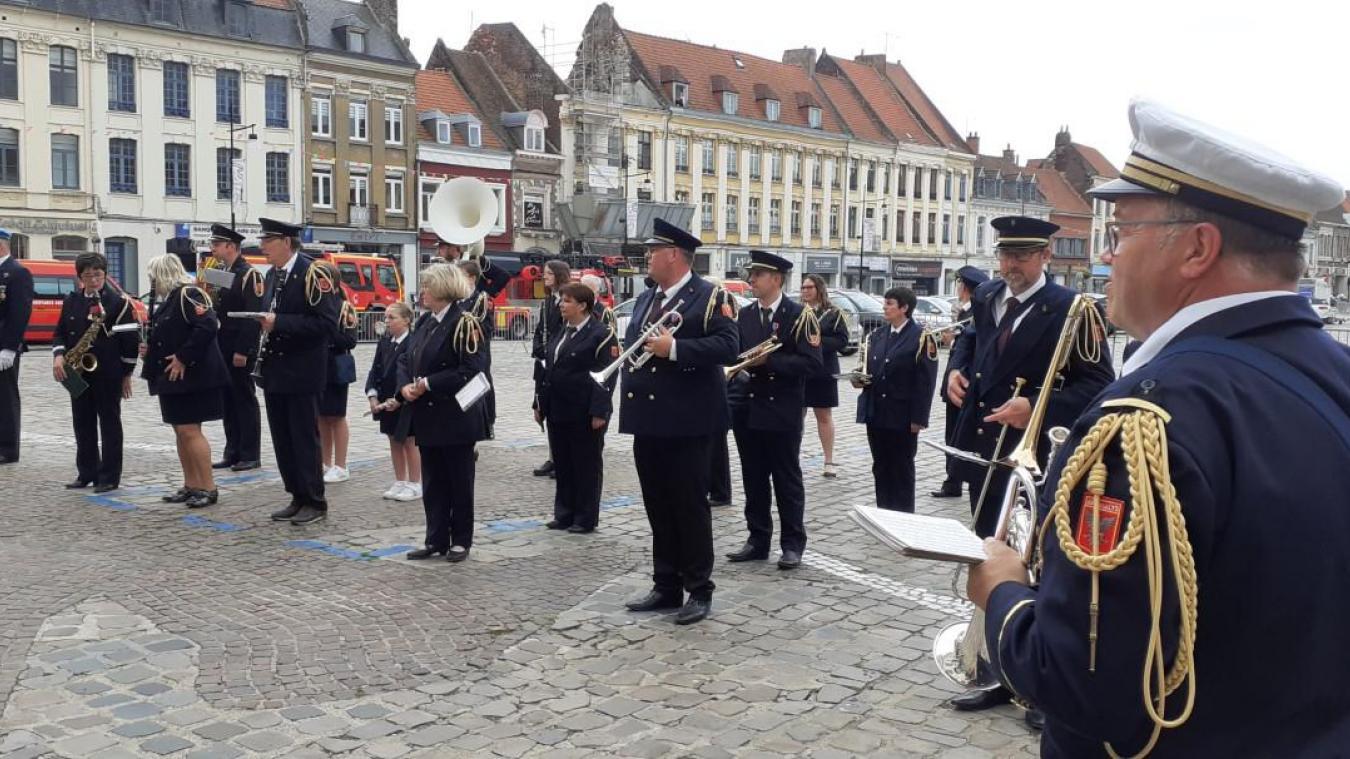 Pas de feu d'artifice, mais une cérémonie officielle à Aire-sur-la-Lys