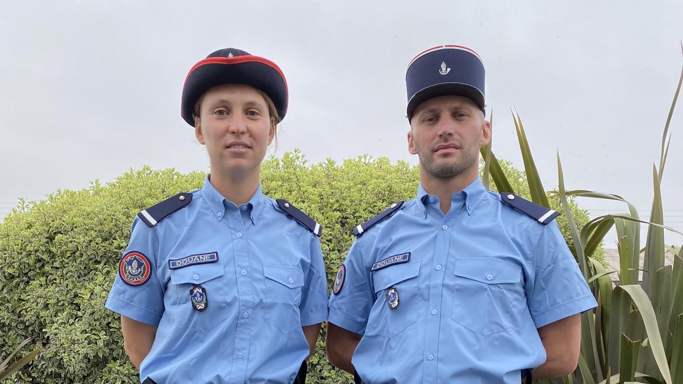 Flora Lehmann, douanière au port de Dunkerque et Loïc Diaz, douanier au tunnel sous la Manche, défilent ensemble aujourd'hui pour la cérémonie du 14-Juillet.