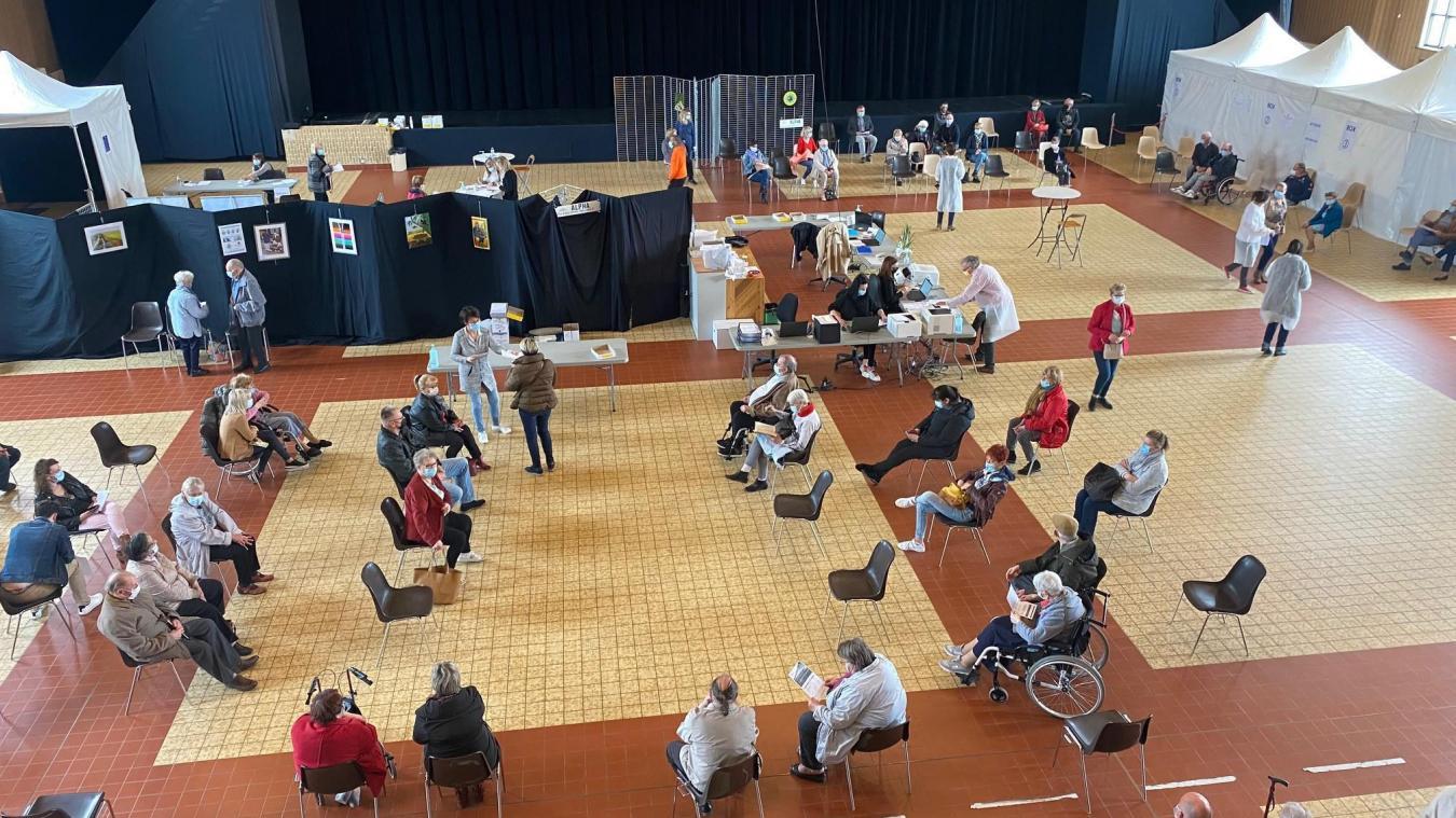 Le centre de vaccination est installé à Espace Flandre depuis janvier.