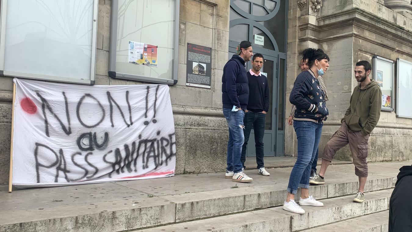 Chez les antivax de Calais, ça ne pass pas